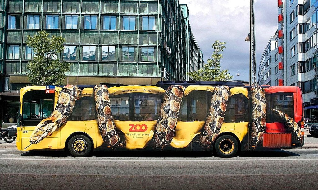 copenhagen-zoo-snake-bus-big.jpg