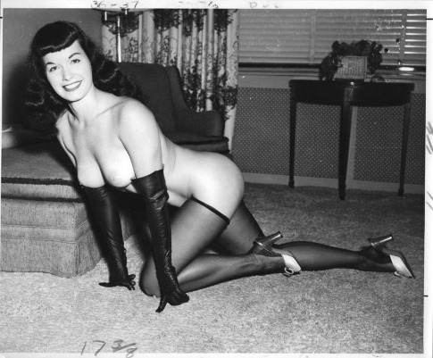 Bettie_Page_by_Lenny_Burtman