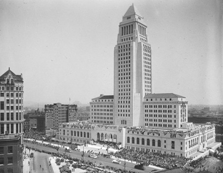 City_Hall_Parade_1928.jpg