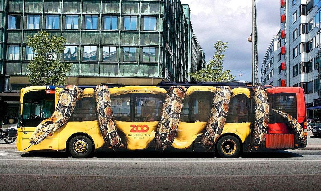 copenhagen-zoo-snake-bus-big.jpg