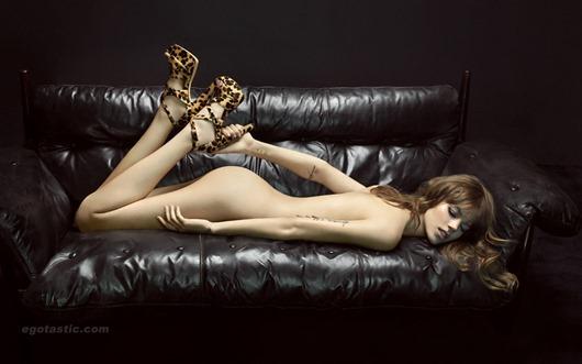 freja-beha-erichsen-nude-lolla-campaign-05.jpg