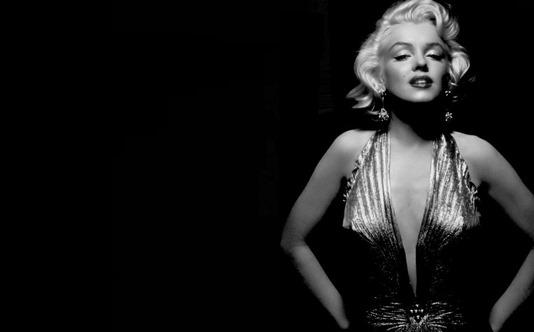 Marilyn-Monroe-wallpaper_010_original.jpg