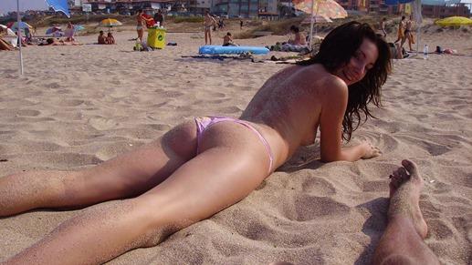 sexy-amateur-babe-topless-beach-thong-1.jpg