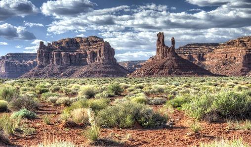 desert-mountains-desktop-background-499219.jpg